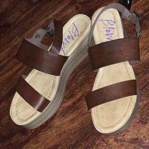 Ladies platform Sandals